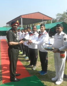 lt gen pjs pannu avsm vsm congratulating the cyclist.